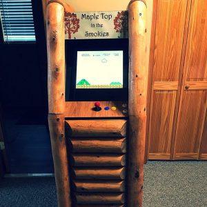 Upright Log Arcade Roomscene