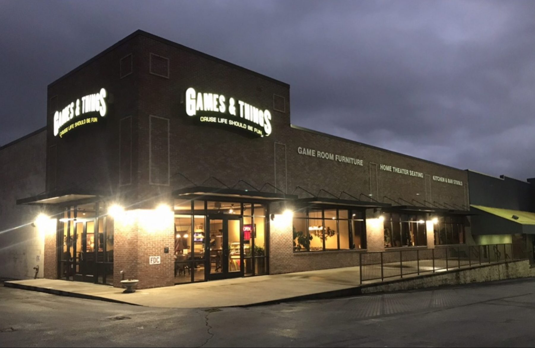 Exterior shot of Games & Things in Knoxville